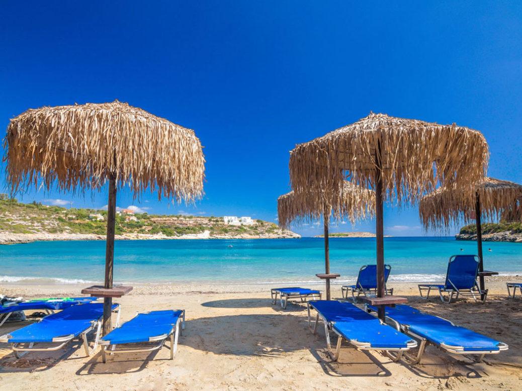 """""""Ελληνόπουλα στις παραλίες – οδηγός επιβίωσης"""""""