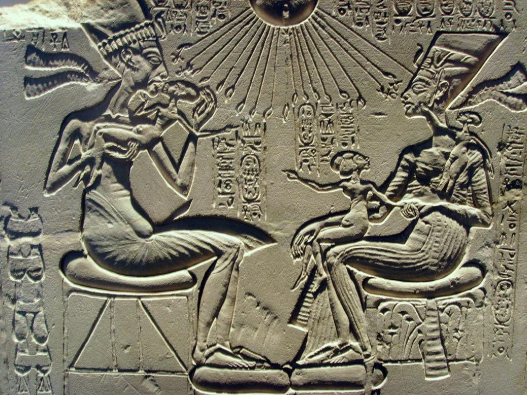 Νεφερτίτη, η βασίλισσα-θρύλος με τον ψηλό λαιμό