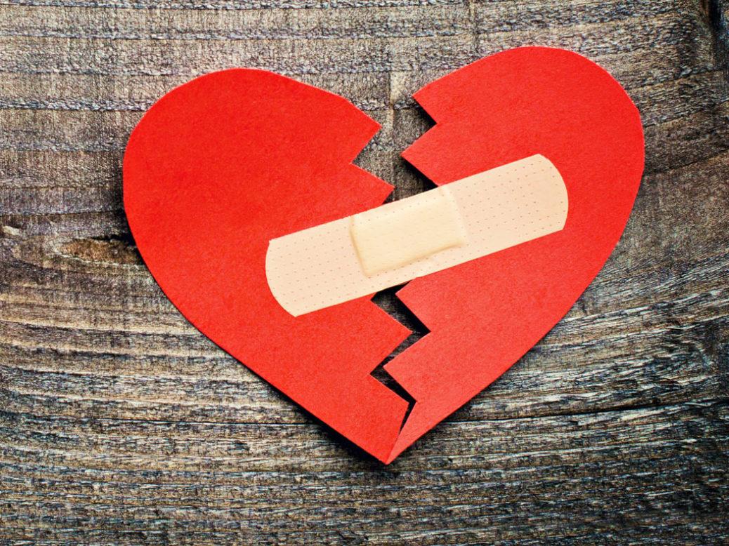 «Μια μεγάλη καρδιά γεμίζει με ελάχιστα», πρακτική ψυχολογία από τη Μάρω Βαμβουνάκη